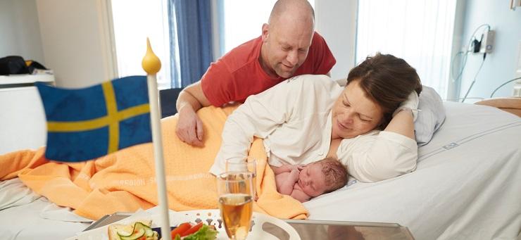 när ska man ringa förlossningen
